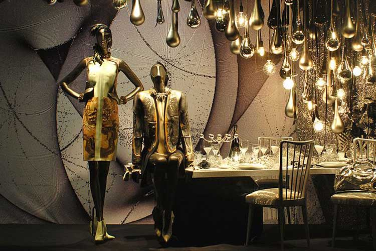 decorar escaparates con maniquíes
