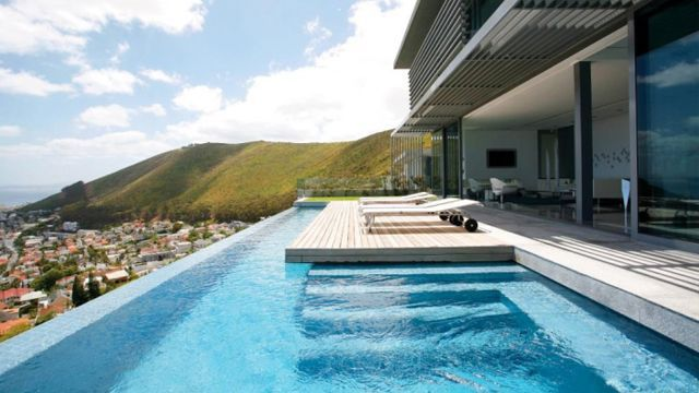 Decoración de piscinas desbordantes - infinity pools