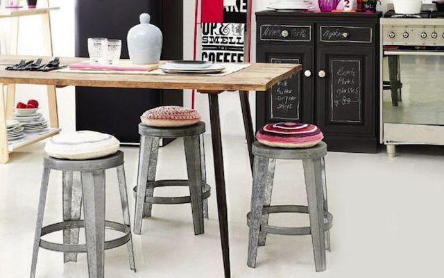 Cómo decorar cocinas con office de estilo rústico industrial