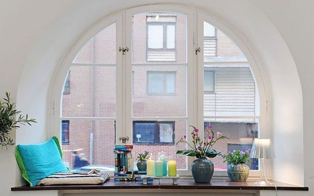 Decoración del alfeizar de las ventanas