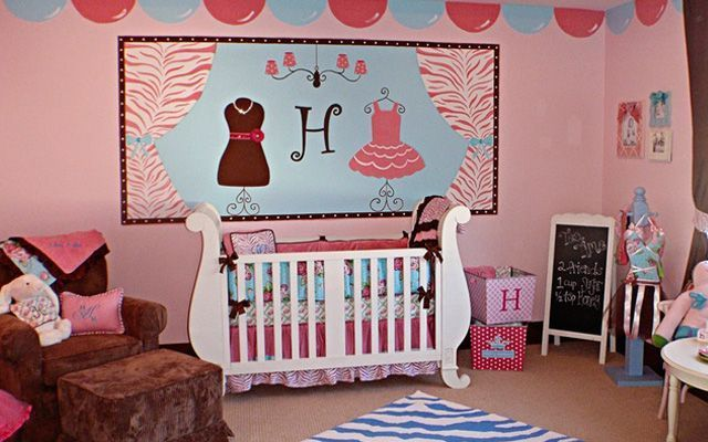 ideas para decorar el dormitorio infantil en color rosa
