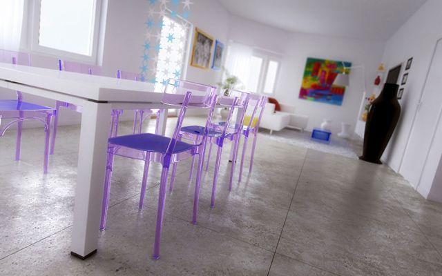 Decoración de casas y locales con sillas transparentes de metacrilato