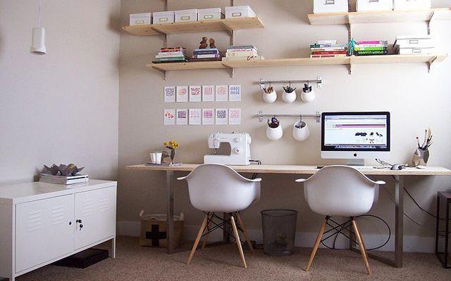 Cómo decorar una zona de trabajo para dos