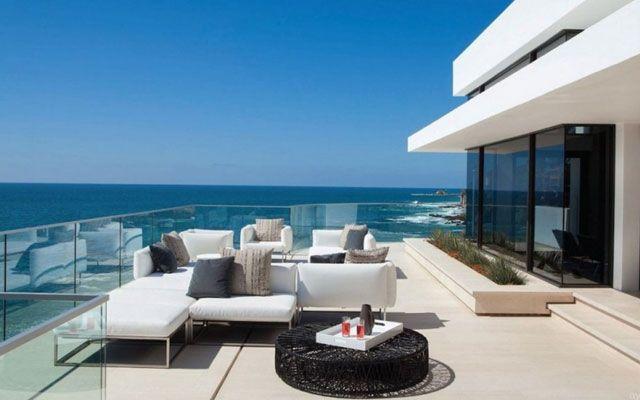 decorar terrazas con vistas al mar