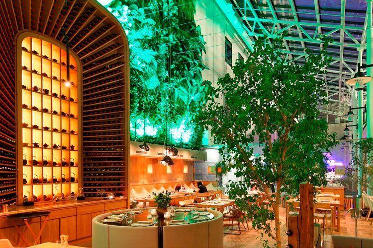 Ideas para decorar restaurantes con plantas - Decorar mesas de jardin ...