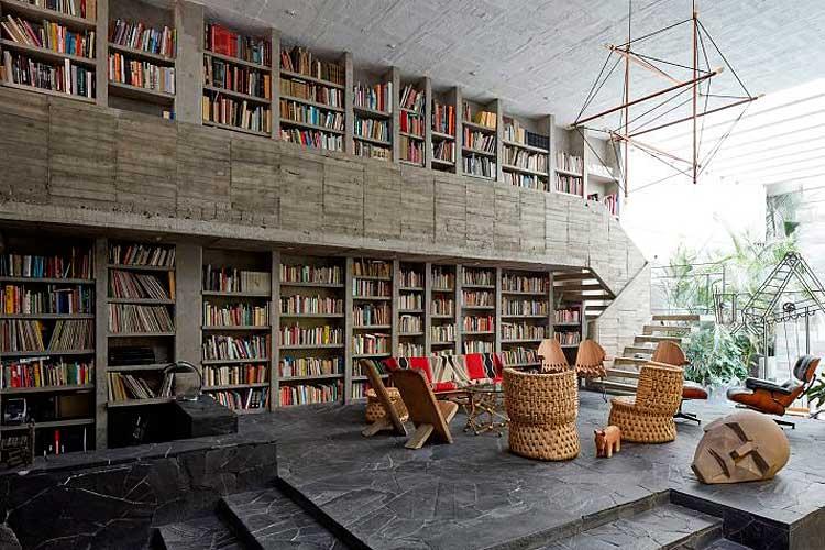 Gran librería de salón a dos alturas